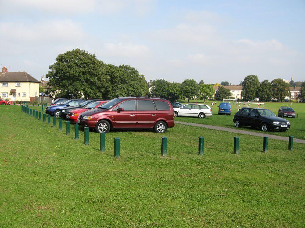 Parkeerplaats met kunststof grastegels